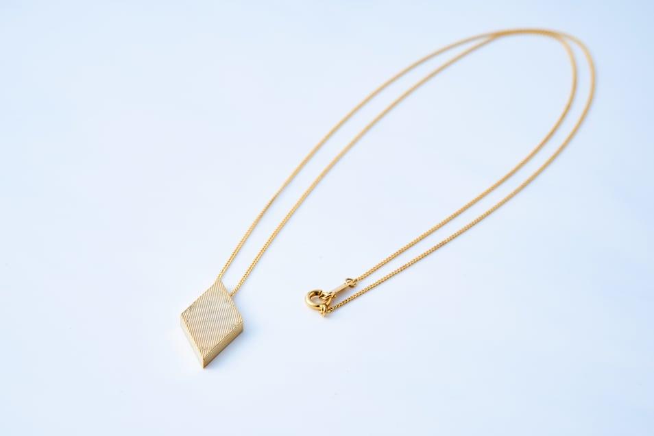 【Lanterna】Diamond Shape Necklace
