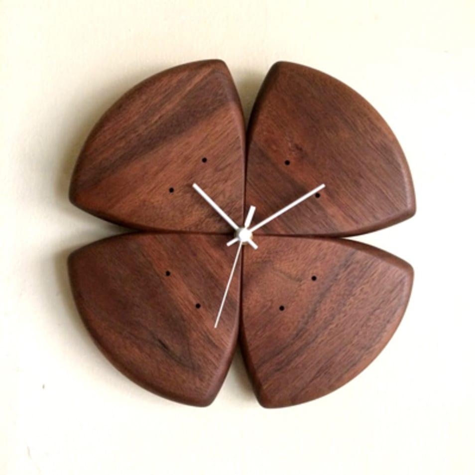 掛け時計「四つ葉」ウォールナット材
