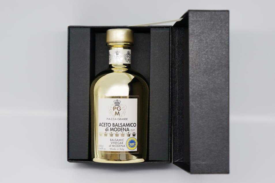 バルサミコビネガー30年熟成ゴールドボトル、ギフトボックス