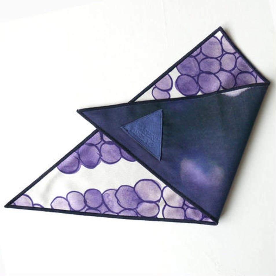 fukeru-眼鏡が拭けるハンカチ 沖縄やちむん (三角形)