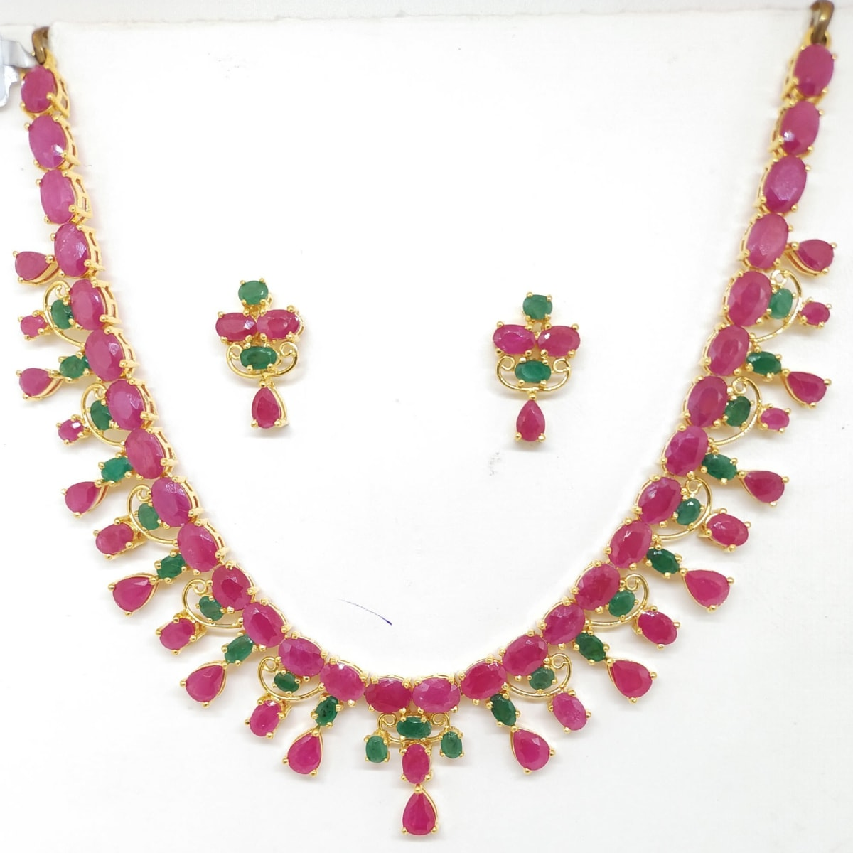 Ruby Emerald Nacklace Sets
