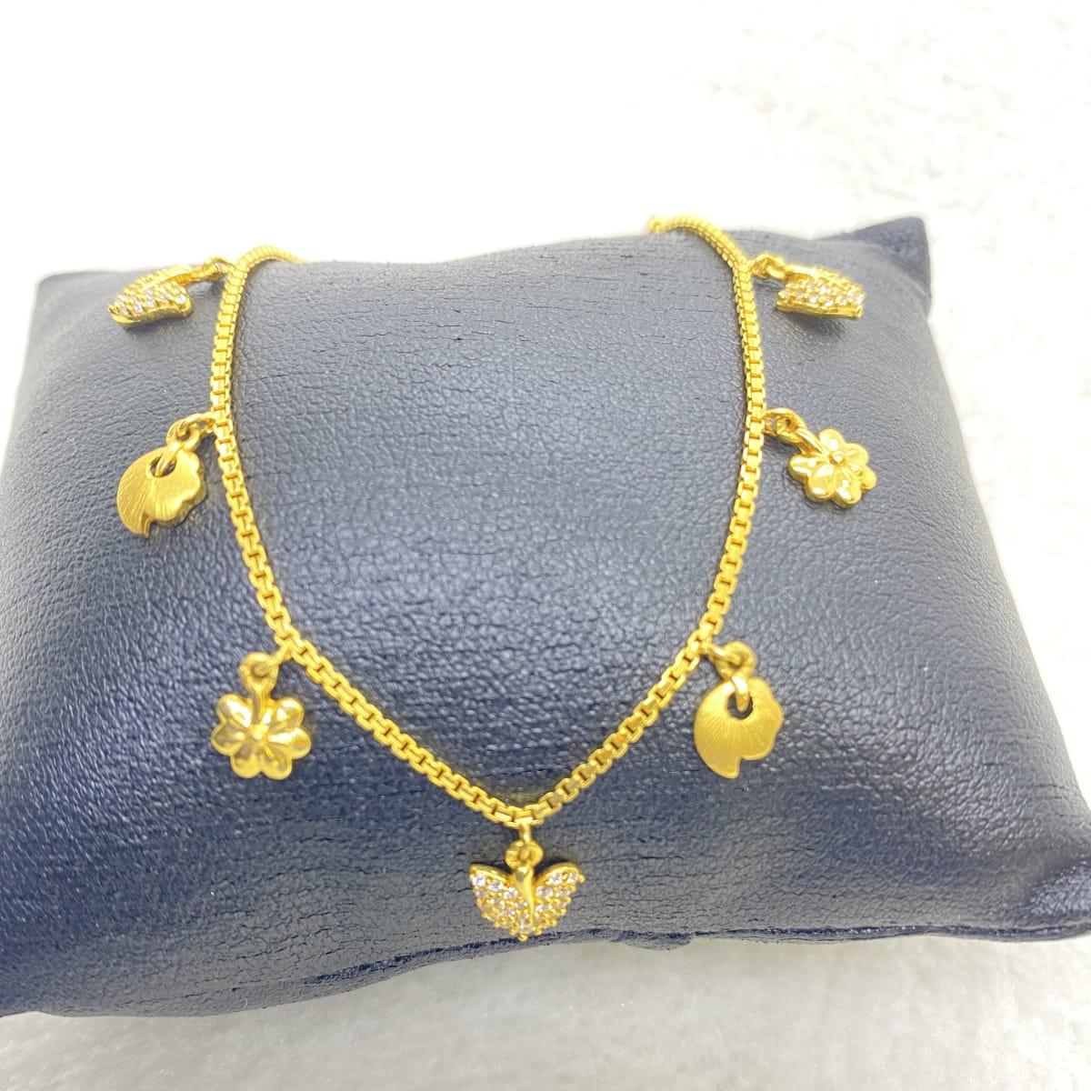 Fancy Charms Ladies Bracelet Gj0110
