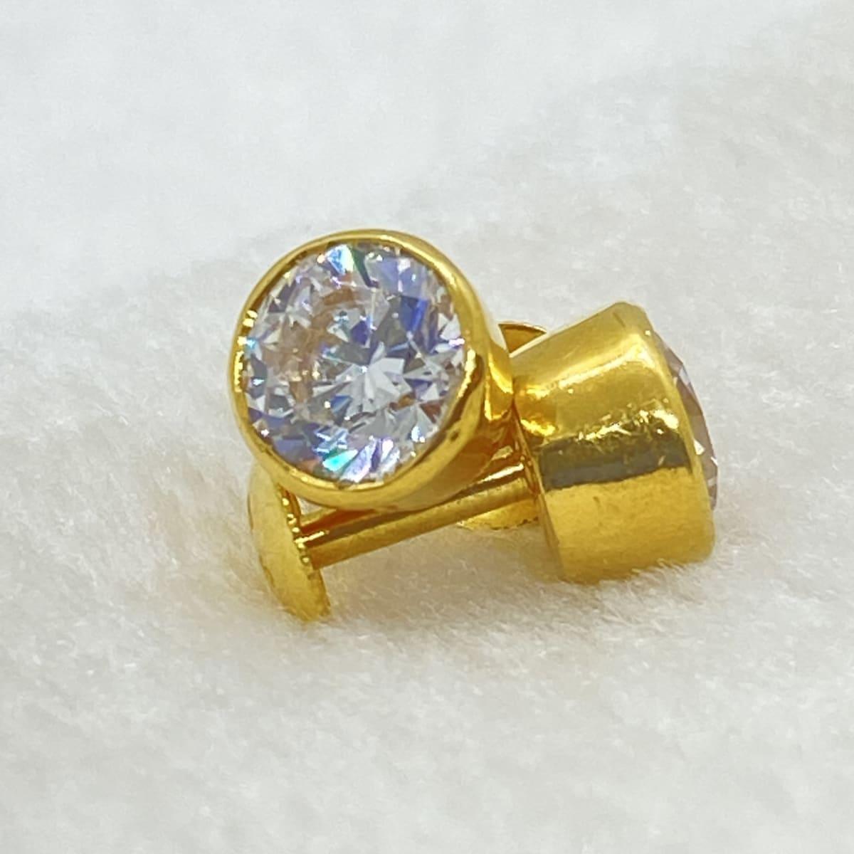 Fancy Diamond Finish Cz Stone Studs Gj160