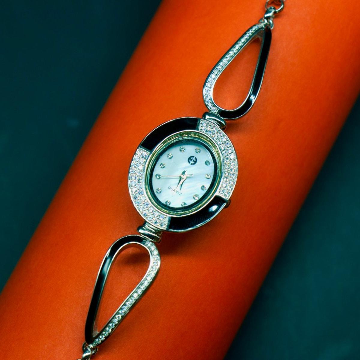 925 Silver The Zircon Timepiece