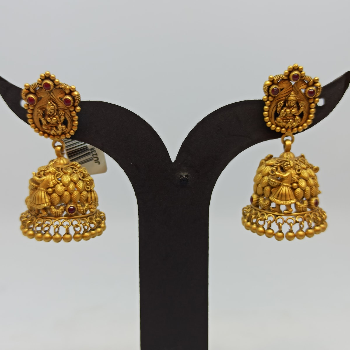 Lakshmi Jhumka Fo Her