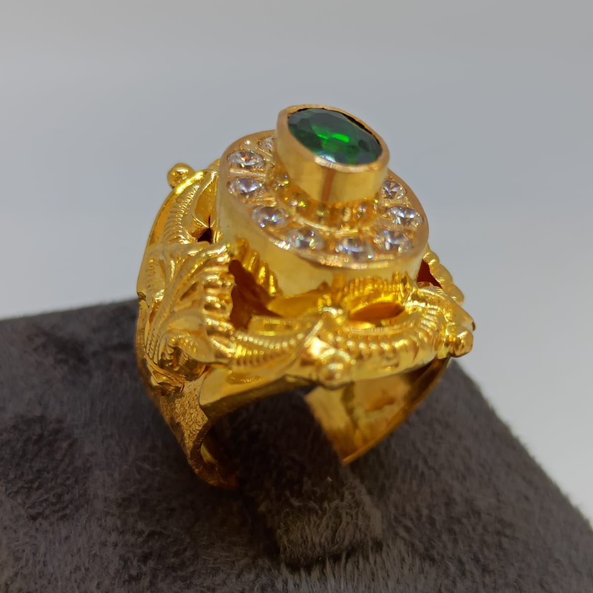 Cocktail Traditional Gold Ring