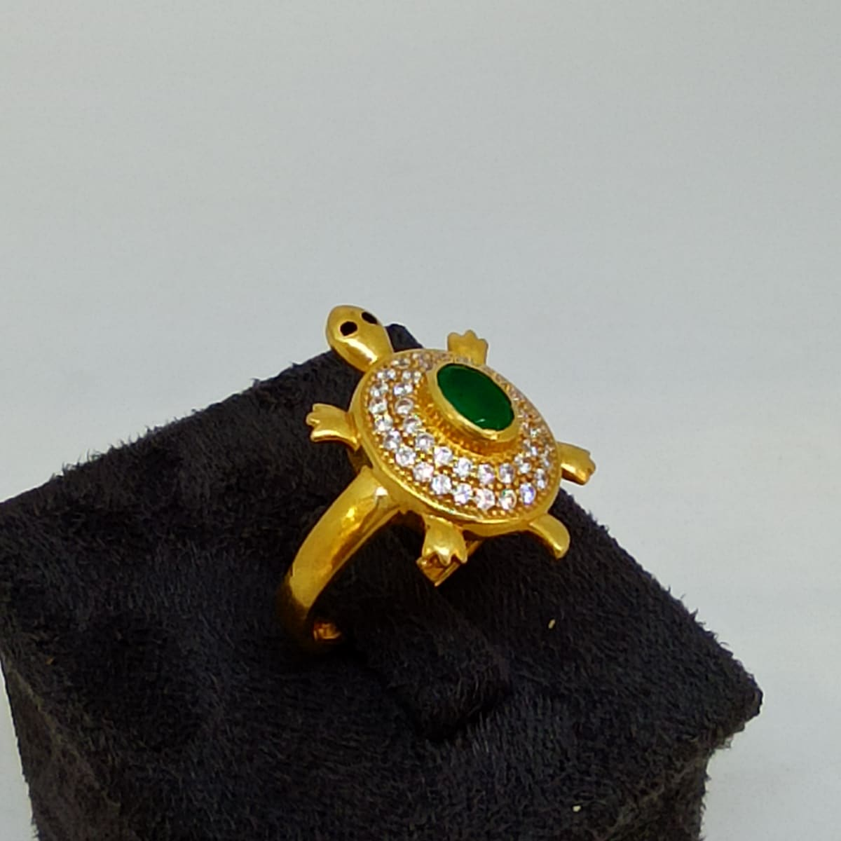 Emrald Turtle Ring