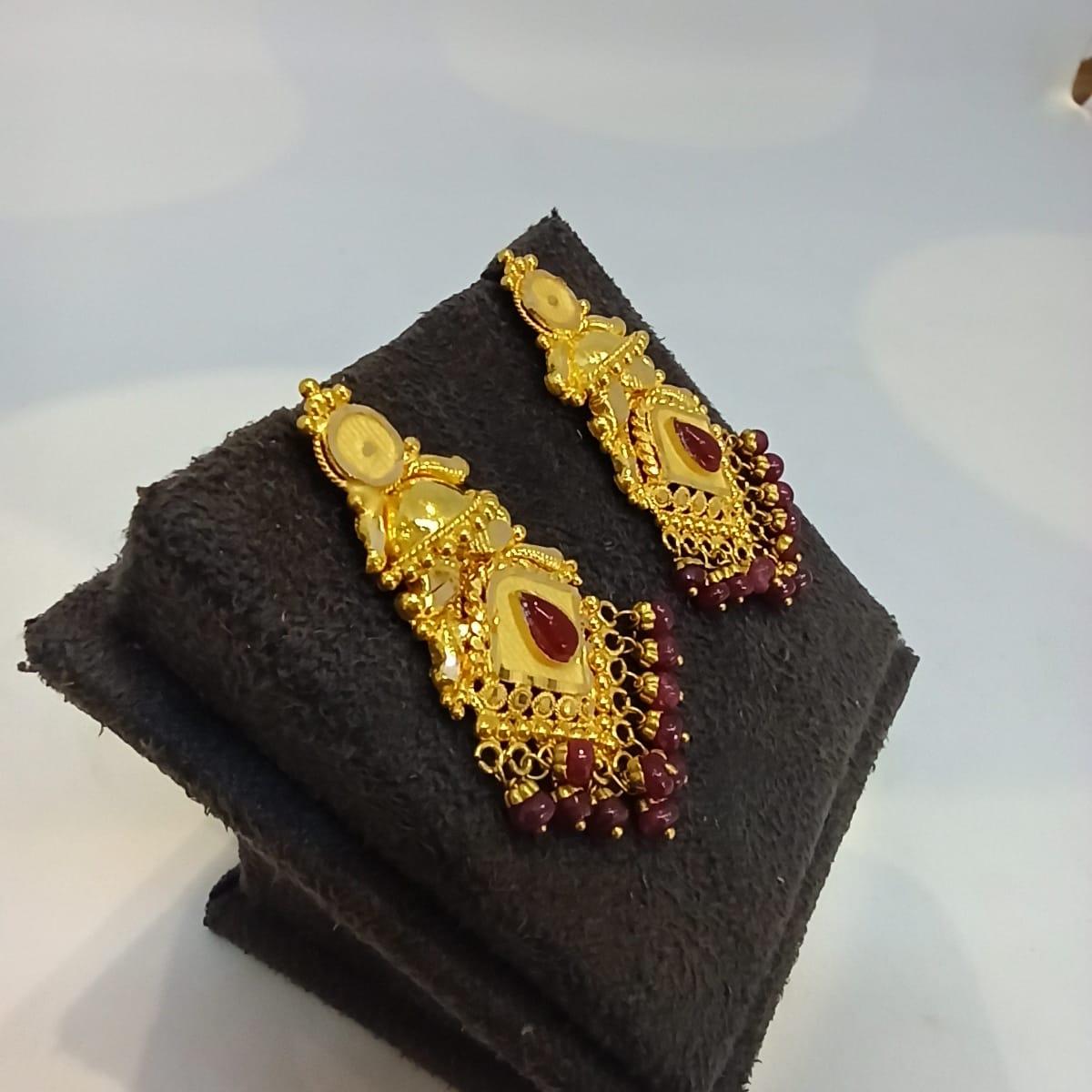 Pear Drop Gold Earrings
