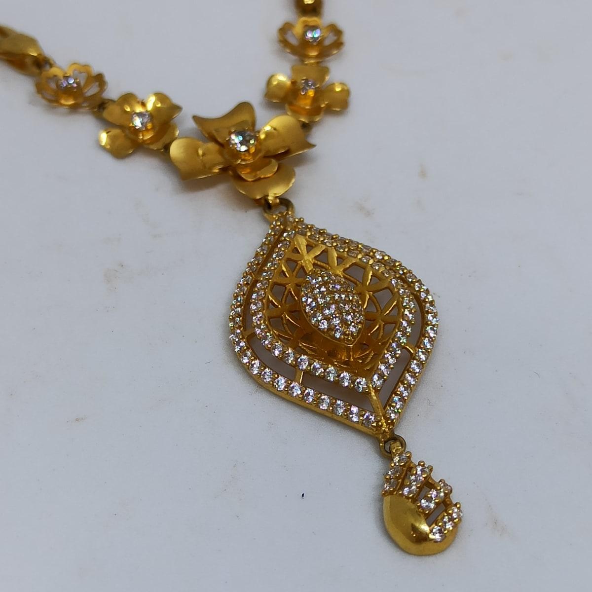 Classic Floral Cz Necklace