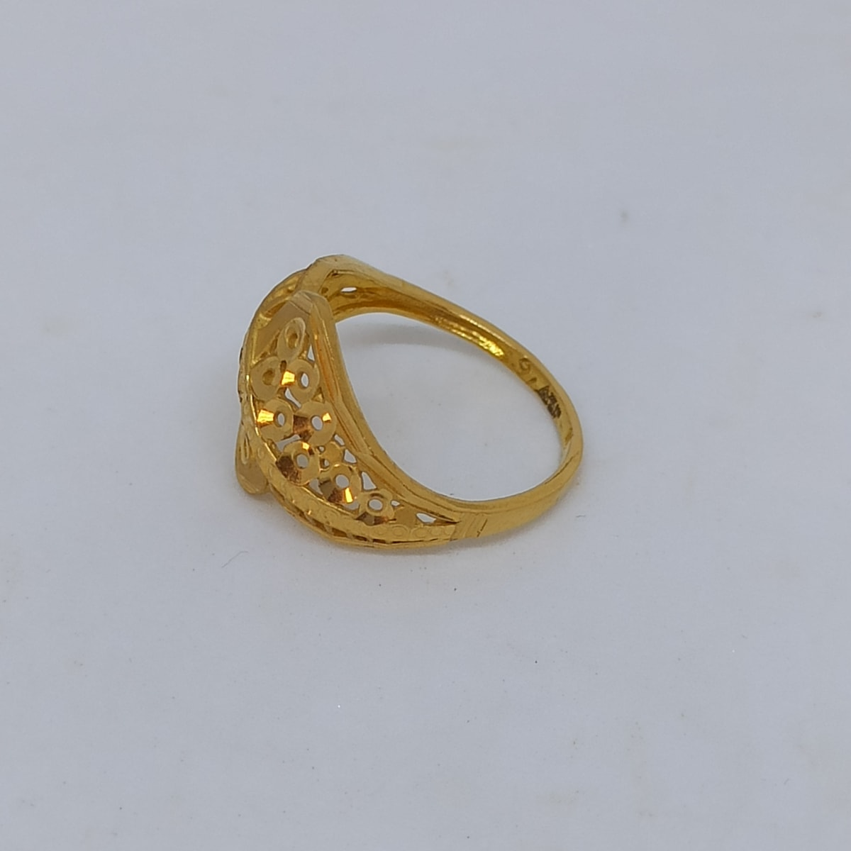 Round Dish Ring For Her