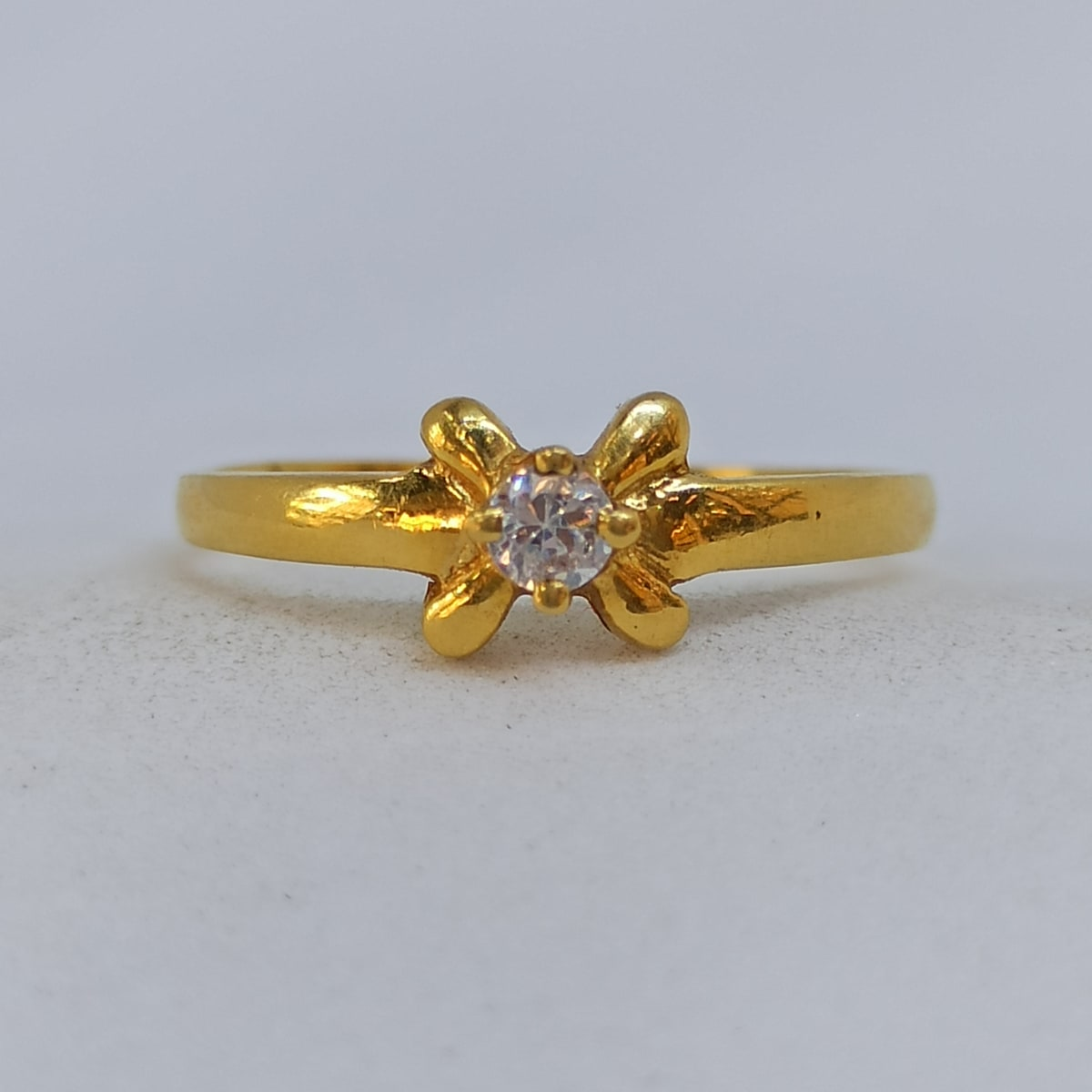 Four Leaf Cz Ring