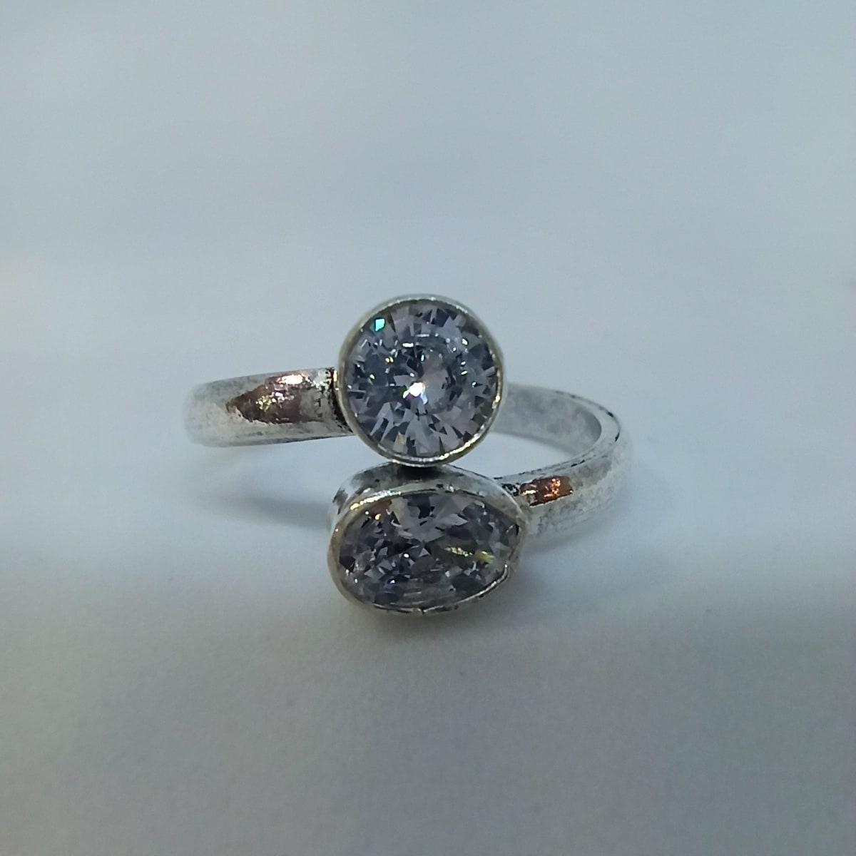 White Stone Toe Ring