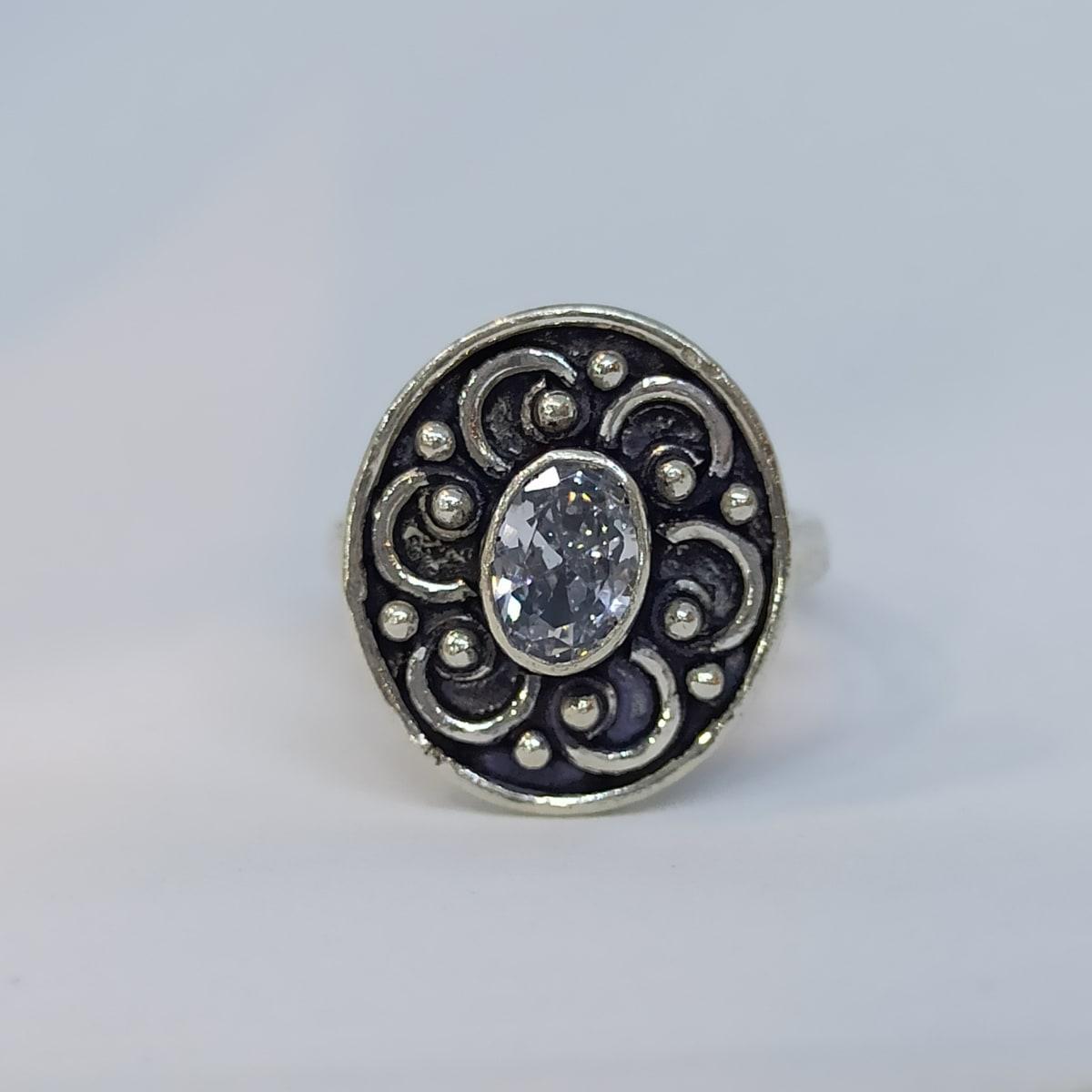 White Stone Rounded Toe Ring