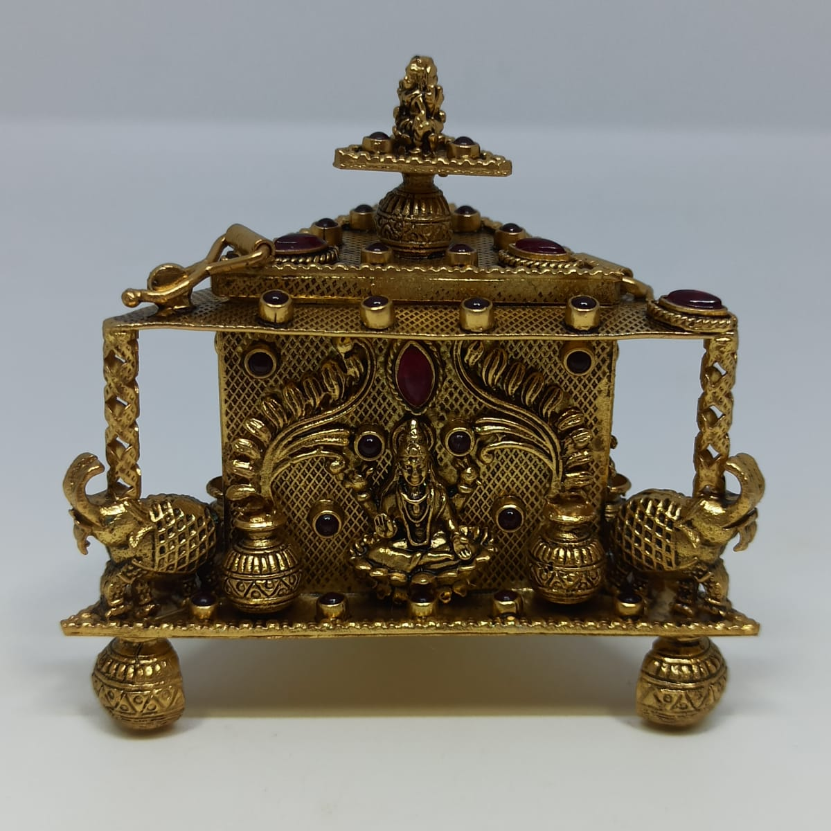 Antique Kankavati Dabbi