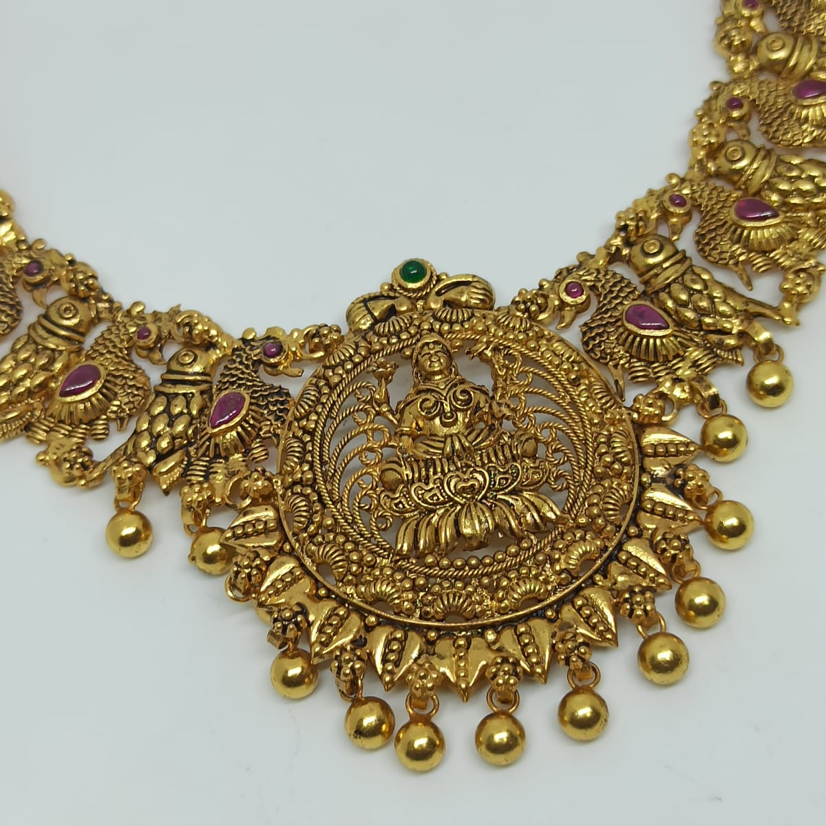 Madhuri Traditional Necklaces