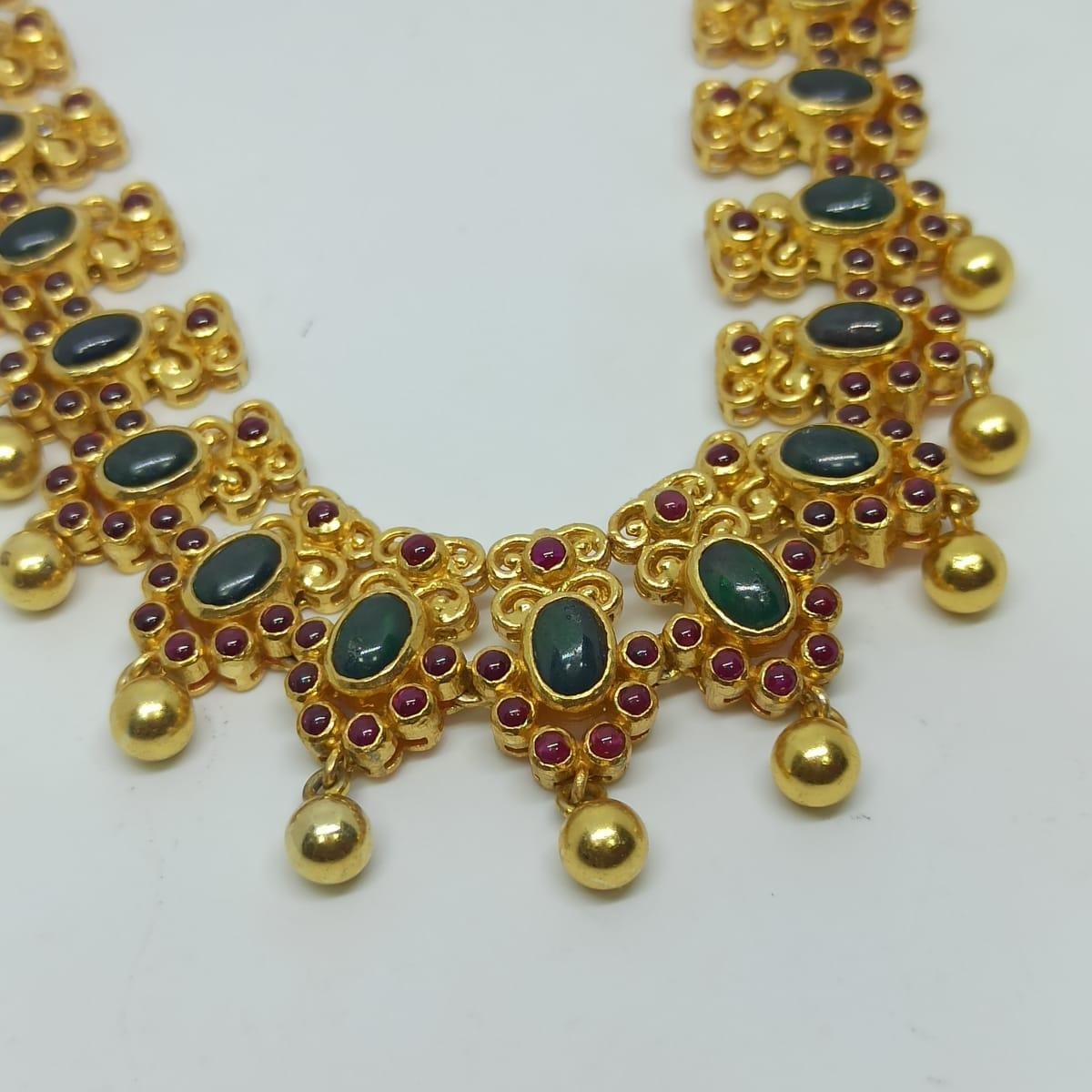 Heena Traditional Necklaces