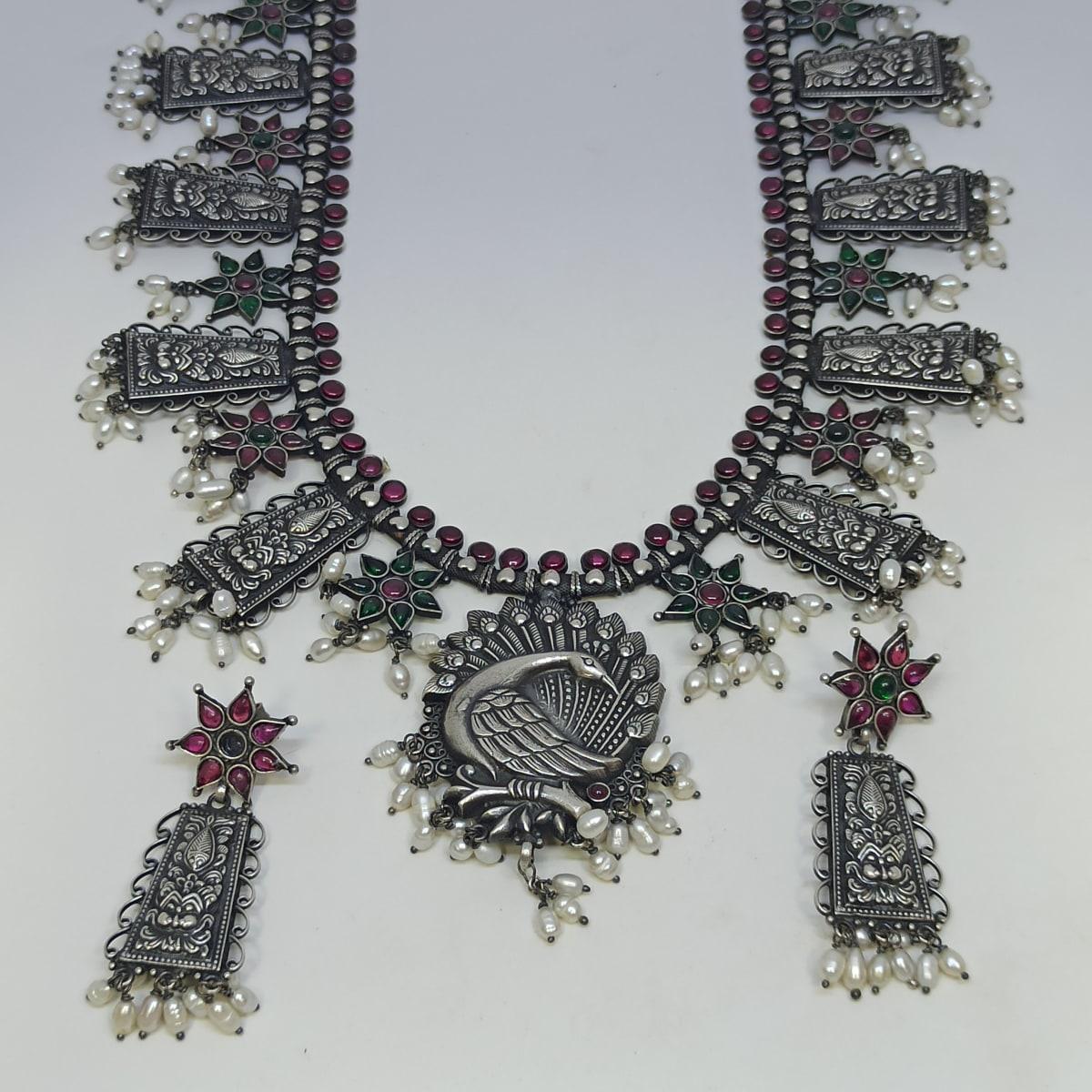 Anurupa Traditional Necklaces Set