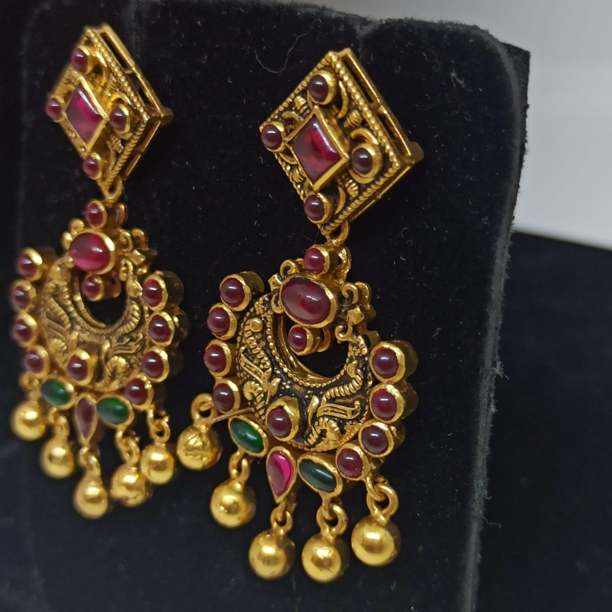 Floral Kemp Stone Antique Earrings