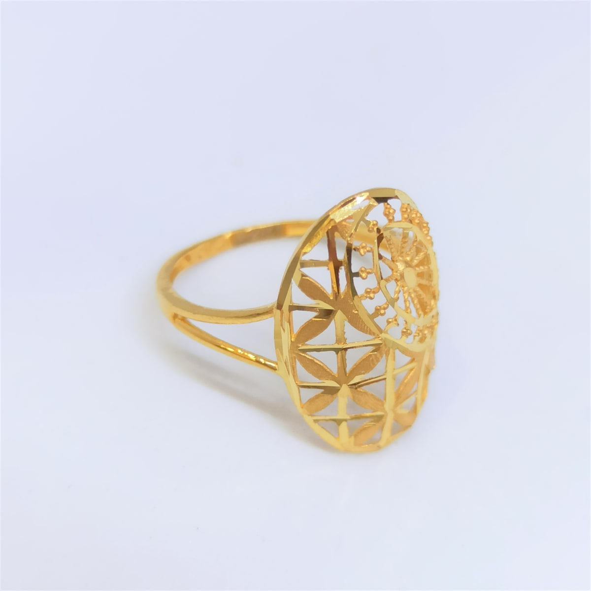 Oval Plain Gold Ring