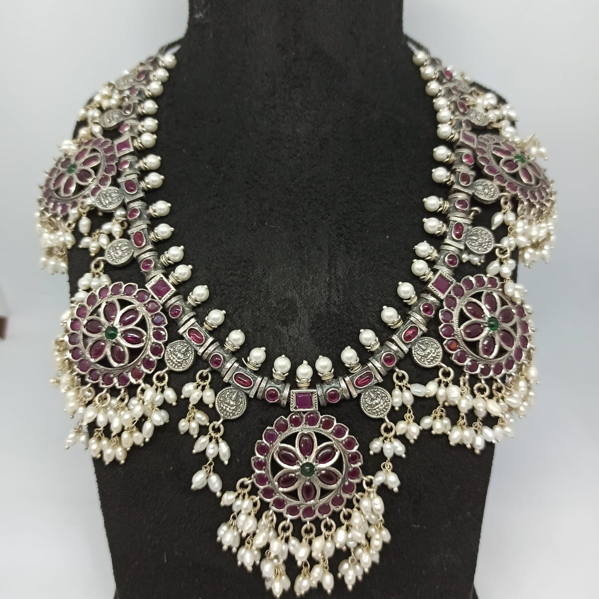 Round Dropping Pearl Necklace