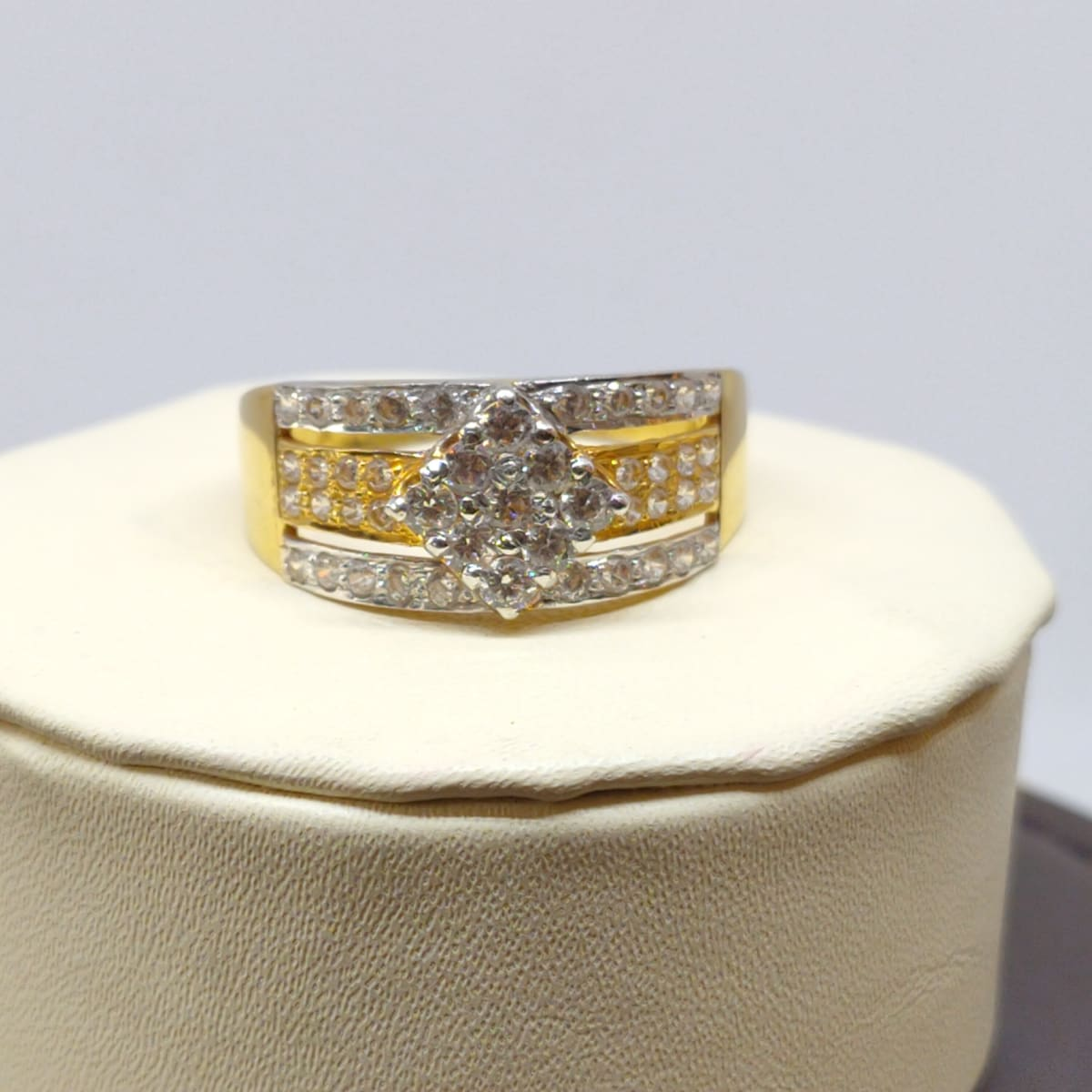 Chakshan Cz Ring