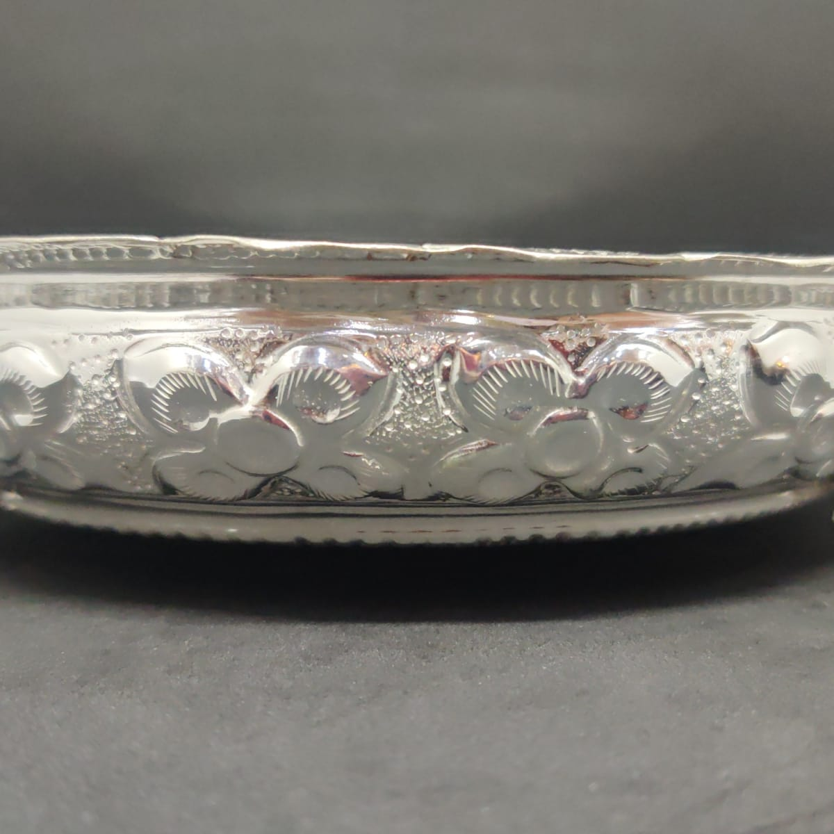 Nagas Shell Silver Plate With Elephant Leg