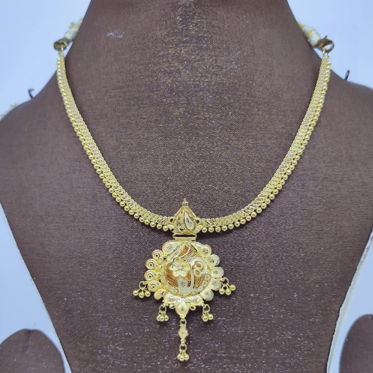 Plain Addigai Necklace