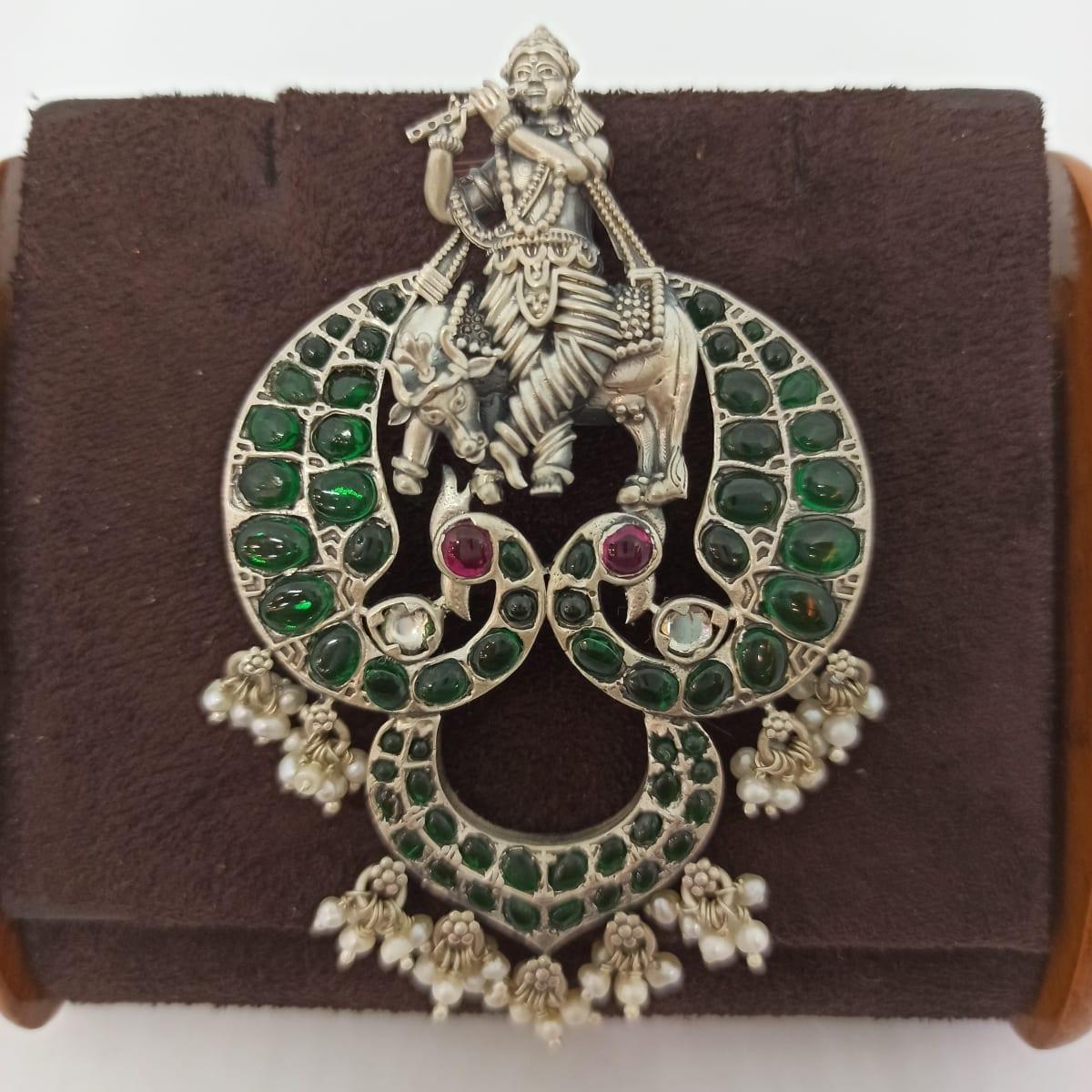 Krishna Pendnat For Her