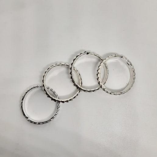 Poorvika Toe Ring
