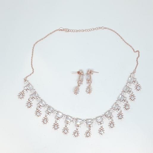 Lugiya Necklace Set
