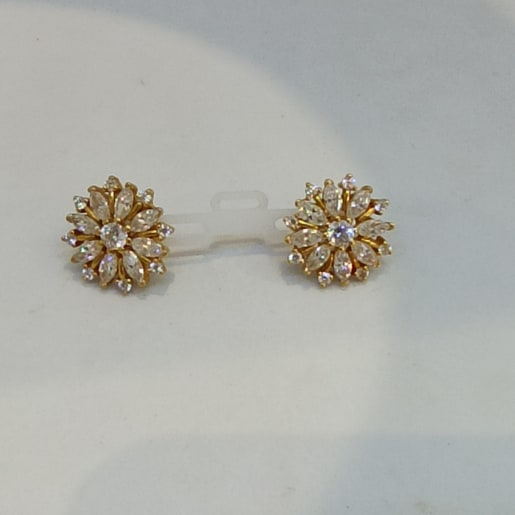 Flower White Stone Stud