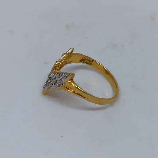 Leaf Cz Ring For Her