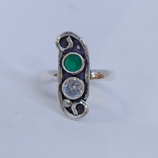 Green And White Toe Ring