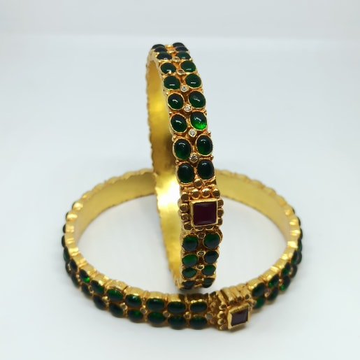 Tanvi Antique Stone Bangles