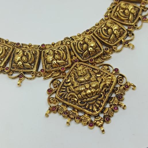 Usha Traditional Necklaces