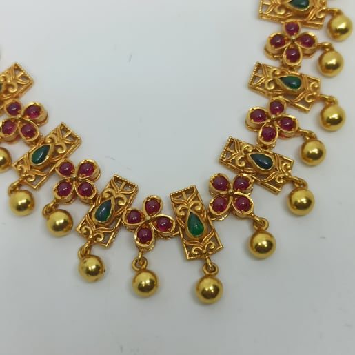 Naveena Traditional Necklaces