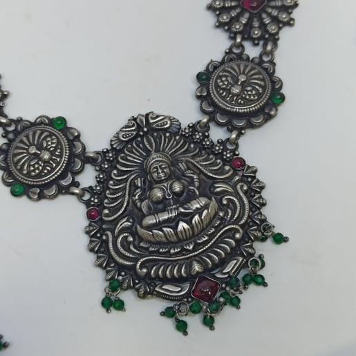 Pallavi Traditional Necklaces Set