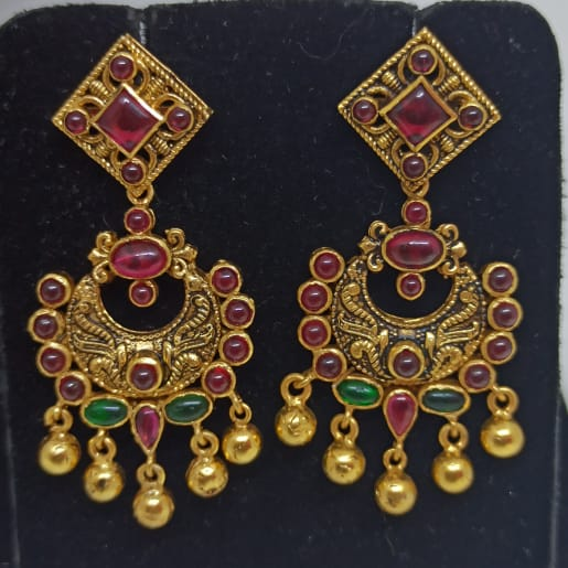 Floral Kemp Stone Antique Earrings