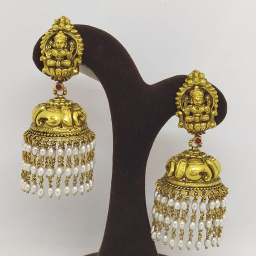 Lakshmi And Moti Jhumka