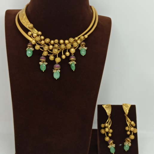Green Stone Necklace And Earring