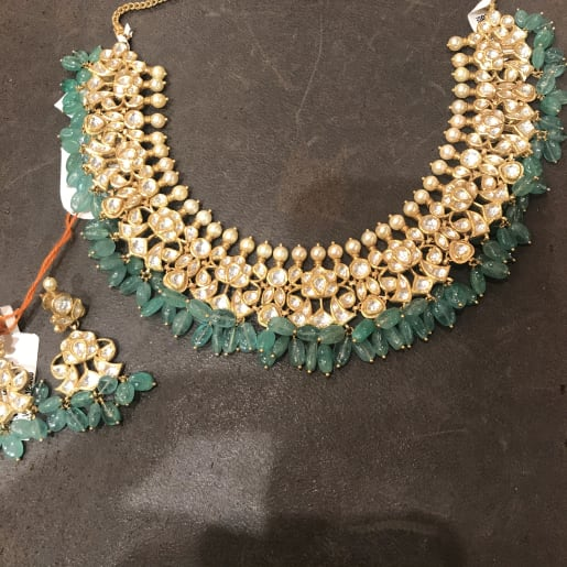 Kundan And Beeds Necklace