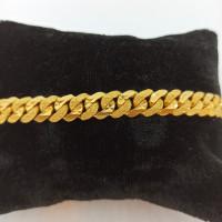 Cut Kadi Bracelates