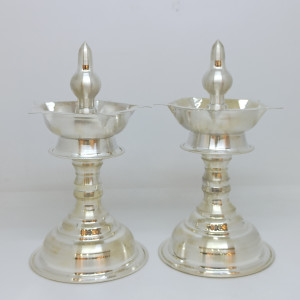 Plain Silver Shiny Deepa