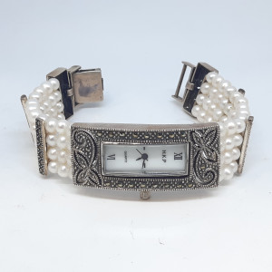 Moti Rectangle Watch