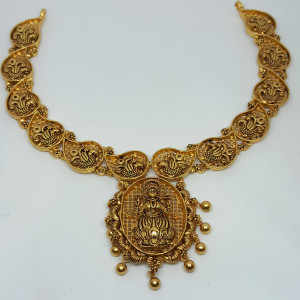 Vyomini Traditional Necklaces
