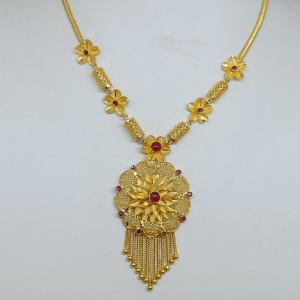 Flower And Red Stone Necklace