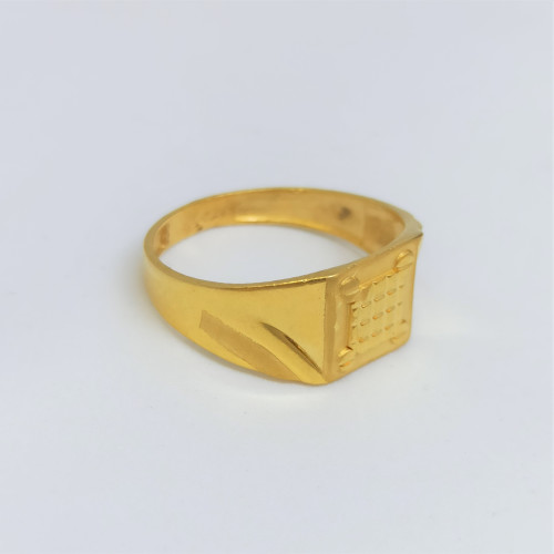 Pyramid Plain Gold Ring