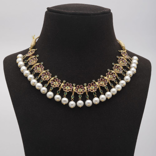 Flower Stone Pearl Necklace
