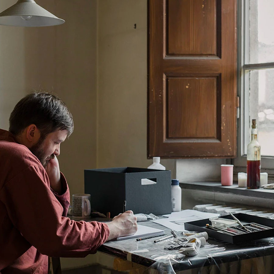 Tycjan Knut in the studio