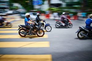 scooters-926753_960_720_xkwyjy